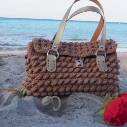 Ladies' classic knitted bag